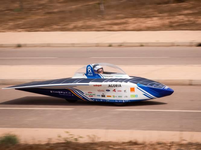 """REPORTAGE. Bij het Belgische Solar Team in Marokko, klaar voor race van 2.500 km door woestijn: """"Wagen van amper 170 kilogram in haaienhuid"""""""