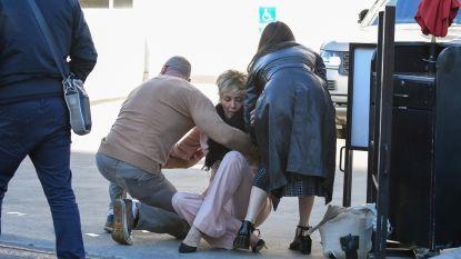 Sharon Stone gaat even tegen de grond