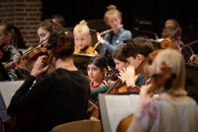Ook het jongerenensemble, samengesteld uit Strijkorkest 040 en de Talentklas van het CKE, speelde tijdens Peper in je Oor.