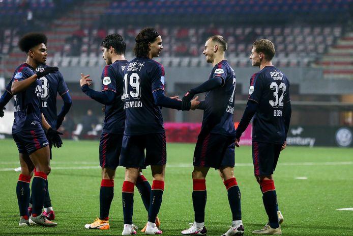 Juichende FC Twente-speler na de 4-1 van de voet van Vaclav Cerny.