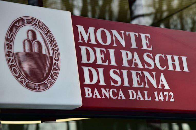 Monte dei Paschi komt in steeds nauwere schoentjes. Beeld AFP