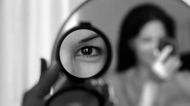Deze zussen herkennen geen gezichten (ook zichzelf niet)