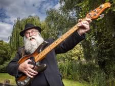 The Voice-zanger Hein Migchelbrink (73) uit Ruurlo was toch wel even zenuwachtig daar bij Jinek in de studio