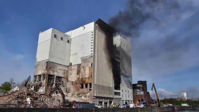 Weer brand bij Hanekop: zwarte rook tot ver in de omtrek te zien