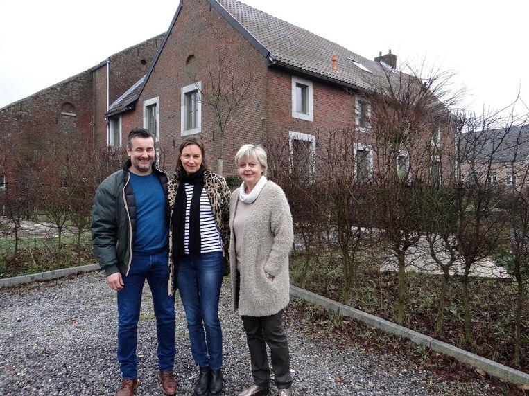 Stefan Houben met zijn vrouw Lies Ceuleers en haar moeder bij B&B Haspenhoeve.
