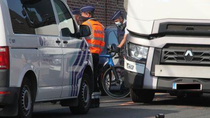 Wielertoerist (31) sterft onder wielen trekker in Zwevezele