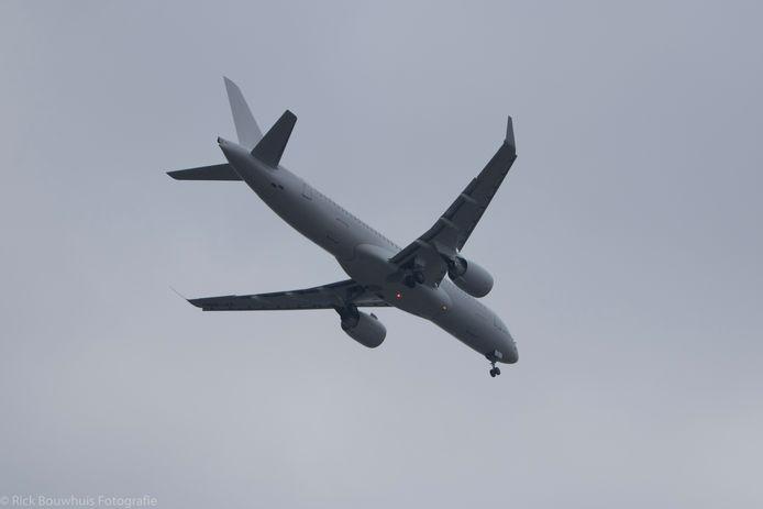Airbus A220 landt op Twente Airport
