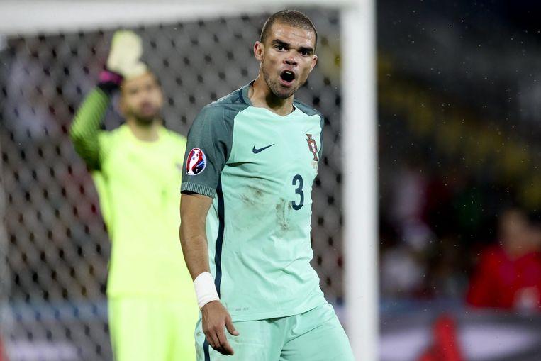 De Portugese verdediger Pepe. Op de achtergrond de Portugese doelman Rui Patricio. Beeld anp