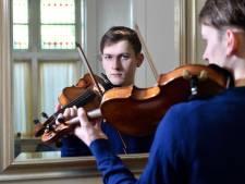Valentino (19) nam het heft in eigen handen: hij maakte via Marktplaats een afspraak met de man die zijn viool stal