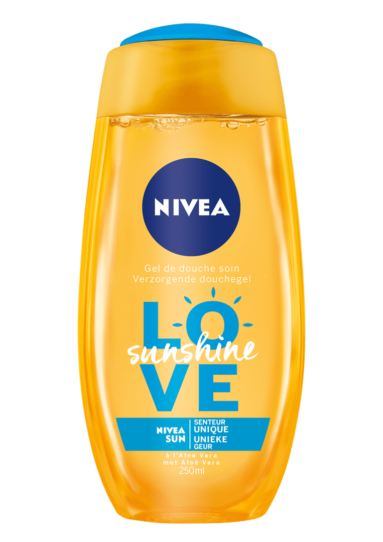 De geur van Nivea-zonnebrand brengt je in één snufje terug naar je kindertijd. Die geur zit nu ook in een heerlijke douchegel. Love sunshine douchegel van Nivea € 2,99 in de supermarkt