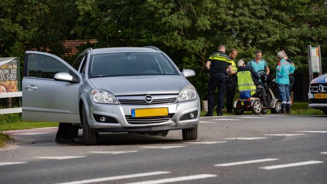 94-jarige man vliegt na botsing uit scootmobiel op de IJsseldijk in Deventer