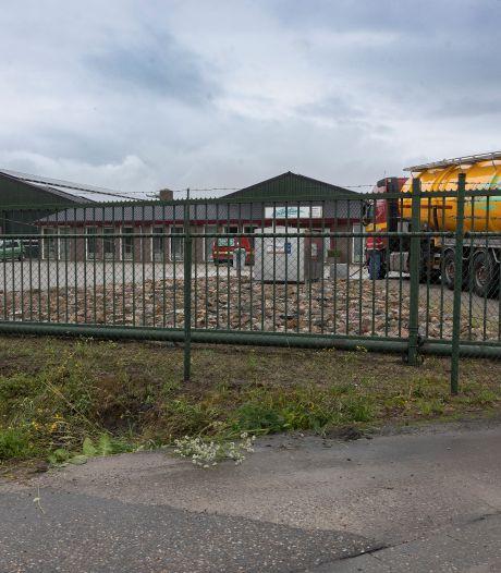 Mestverwerking bij mestbedrijf Bergeijk ligt nog steeds stil, milieuclubs willen dat gemeente alsnog gaat handhaven