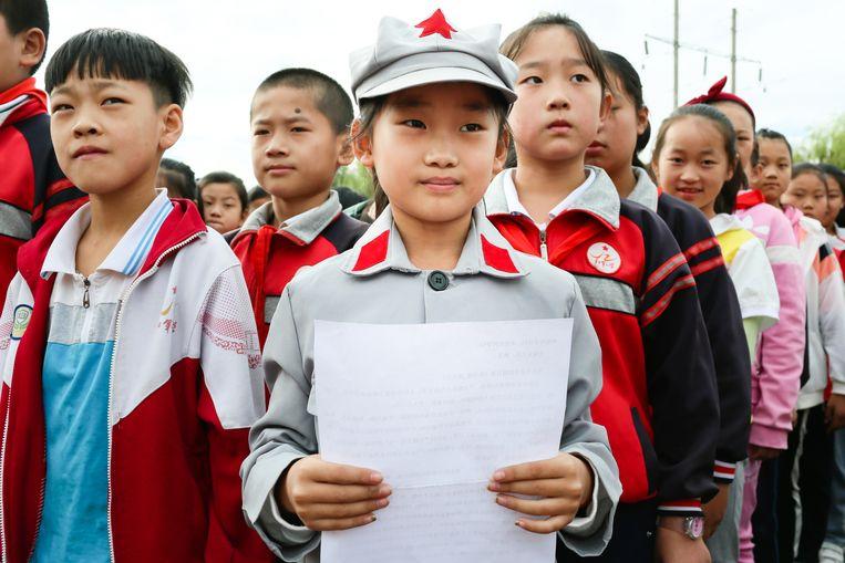 Liu Tian, een leerling van de vijfde klas, is uitverkoren tot klasvertegenwoordiger. Zij mag tijdens de vlaggenceremonie een toespraak houden. Beeld Elke Scholiers