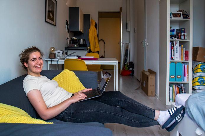 Hydi Saado is maar wat blij met haar studio in Sequoia, de nieuwe studententoren.