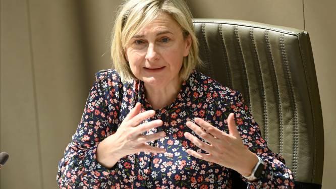 """Hilde Crevits over Oosterweel na losbarsten PFOS-schandaal: """"Ik sluit vertraging niet uit"""""""