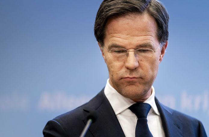 Premier Mark Rutte geeft tijdens een persconferentie een toelichting op de coronamaatregelen in Nederland.