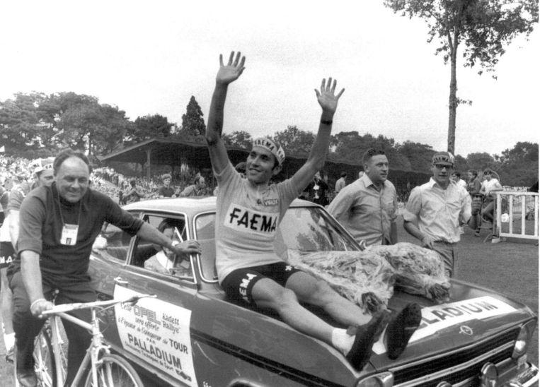 De viering van zijn eerste Tour de France in 1969. Beeld BELGA