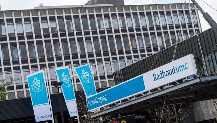 De man is overleden in het Radboud UMC in Nijmegen.