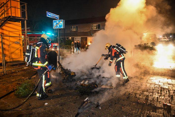 Brand op de Jan Nieuwenhuijzenstraat in Alphen.