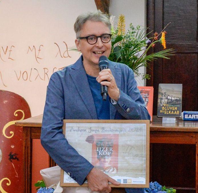 Jean-Claude van Rijckeghem won de Archeon Thea Beckmanprijs 2021 voor het beste historische kinderboek met IJzerkop.