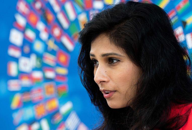 De zwakke landen worden extra hard getroffen tijdens de coronacrisis, zegt hoofdeconoom Gita Gopinath van het Internationaal Monetair Fond (IMF). In de financiële crisis van 2008 lag dat anders. Beeld AFP
