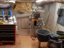 Drugslab verborgen achter kast in schuur Maartensdijk: mannen op heterdaad betrapt