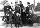 Bovenstaande foto is op 14 april 1945 gemaakt op de Wipstrikkerallee. Major is de man met het lapje voor zijn oog.