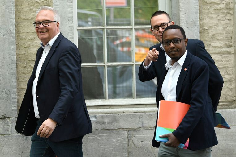 PVDA-voorzitter Peter Mertens heeft trouwe, gulle leden die 'buitenproportionele' lidgelden betalen.