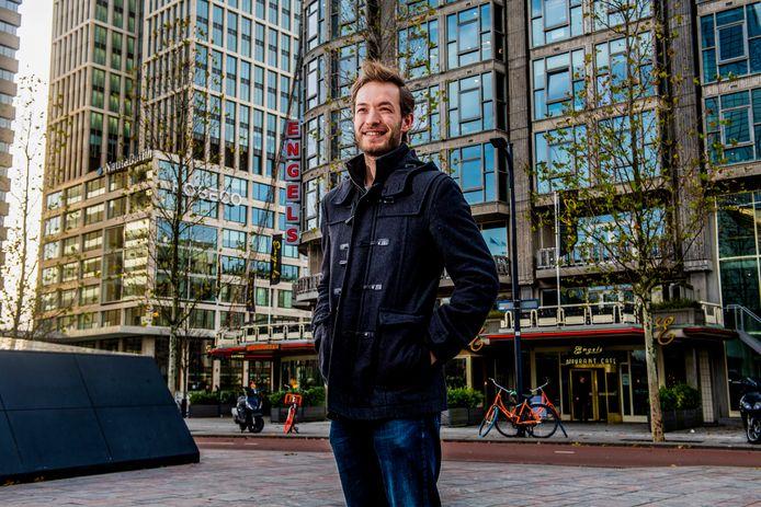 Sander Verkade en zijn compagnon geven op hun website tips aan vrouwen. Bijvoorbeeld '7 tips voor het langer houden van een man'.