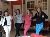 Kiesvrouwen willen jongeren warm maken voor verkiezingen