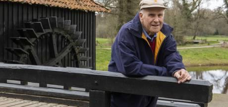 Martin (79) uit Almelo bedacht routes langs Twentse watermolens: 'Niet als een idioot door de regio crossen, maar rustig genieten'