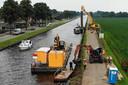 Aan de Schoolstraat in Geerdijk vervangt de provincie damwanden. Twenterand stemde pas in nadat het helder werd dat het noodzakelijk was met het oog op veiligheid.