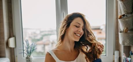 Comment en finir avec les cheveux gras? Les précieux conseils d'une professionnelle