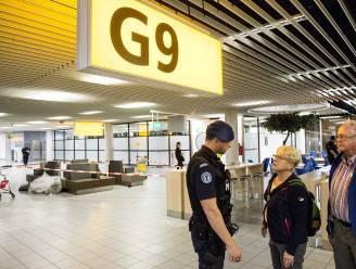 Vliegtuig op Schiphol doorzocht na dreigtweet
