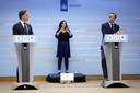 Demissionair premier Mark Rutte en demissionair coronaminister Hugo de Jonge tijdens een persconferentie.