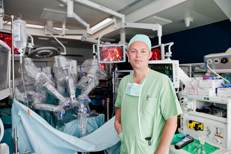 Professor Dokter Alexandre Mottrie; uroloog; prostaatkanker Beeld Humo / Thomas Legreve