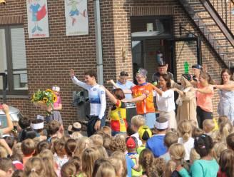 Kinderen De Talententuin vieren feest met Europees kampioen tijdrijden Alec Segaert