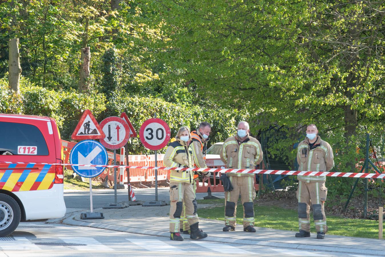 Politie en brandweer hebben de Warande afgesloten.