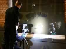 Café-eigenaar in Rivierenbuurt doet zaak zelf dicht na kogelregen: 'Meerdere motieven zijn mogelijk'