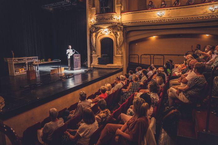 terug voorstellingen in de minard in Gent, schouwburg, theater, publiek