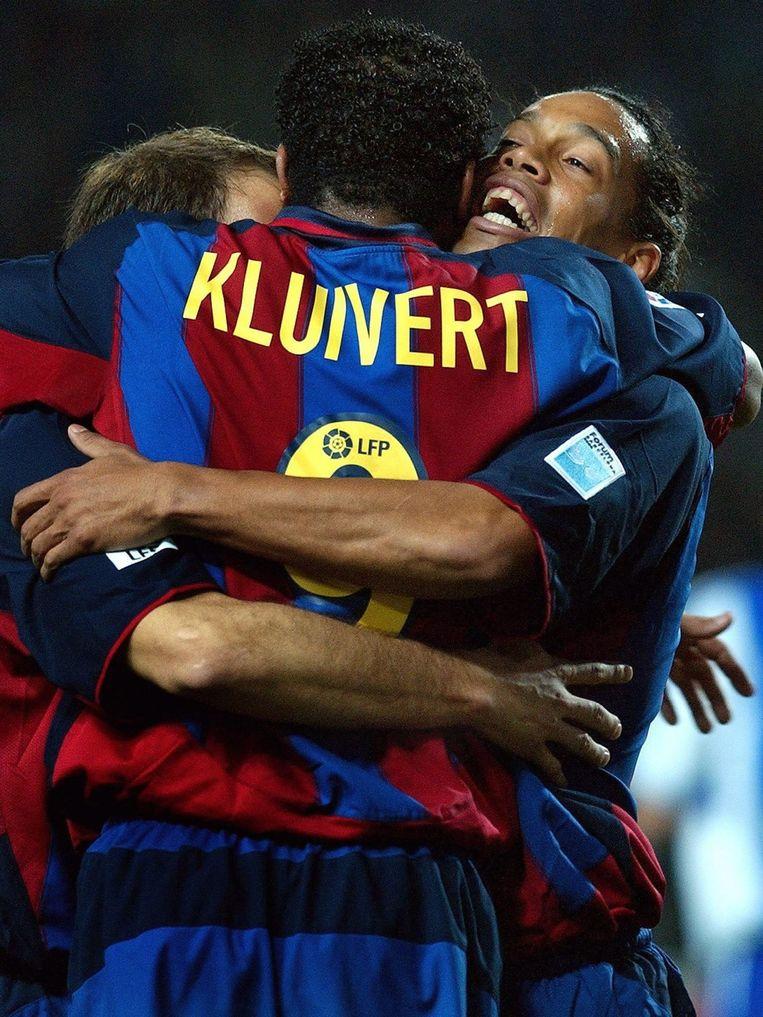 Na een korte tussenstop bij AC Milan kwam Kluivert terecht bij FC Barcelona, waar hij lange tijd speelde met onder andere Ronaldinho. Beeld ANP