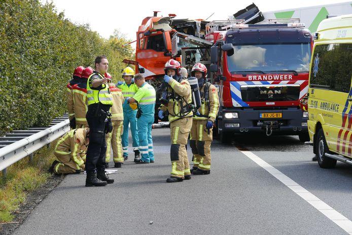Vrachtwagenchauffeur overleden na ongeluk op A67 bij Asten