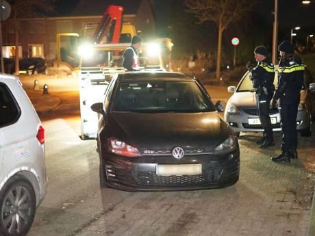 Man rijdt politieauto van de weg bij achtervolging in regio Nijmegen