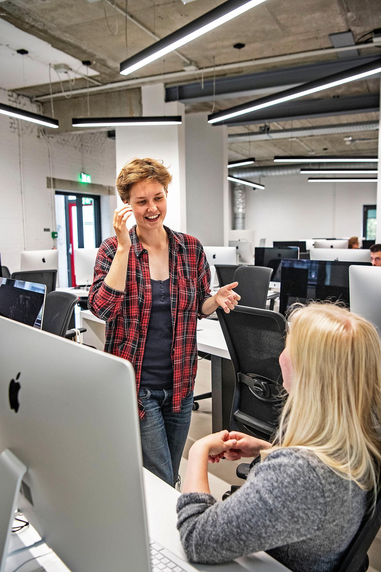 Codam organiseert open dagen specifiek gericht op vrouwen. Beeld Guus Dubbelman / de Volkskrant
