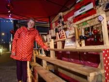 Janke's vogelhuisjes en kerstversiering in Vorden bruutweg uit kraampje gehaald en gestolen