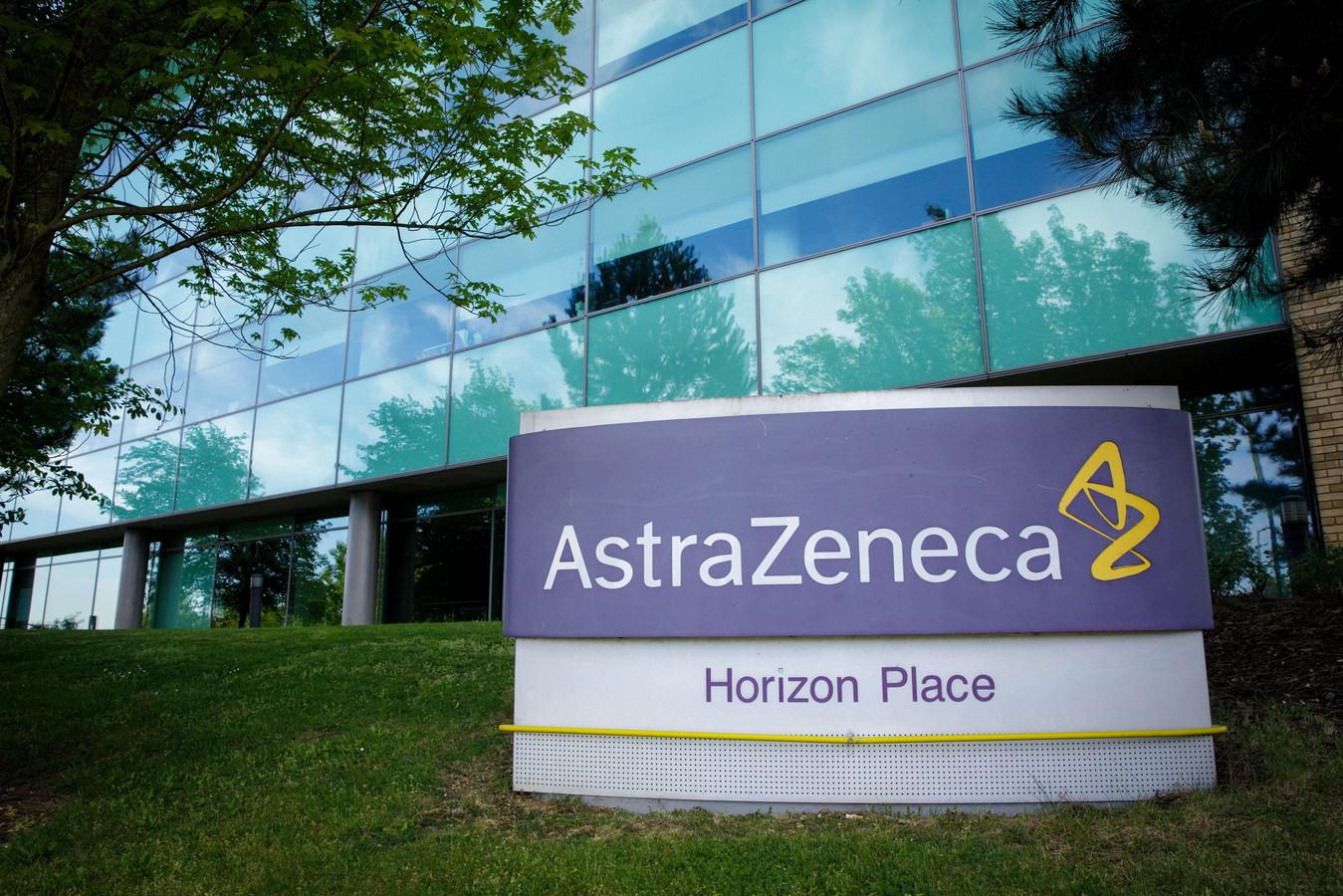 Het farmabedrijf Astra Zeneca ontwikkelt het vaccin samen met de universiteit van Oxford.