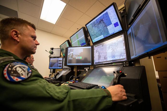Sergeant Paul is de eerste sensor-operator van de nieuwe Reaper.