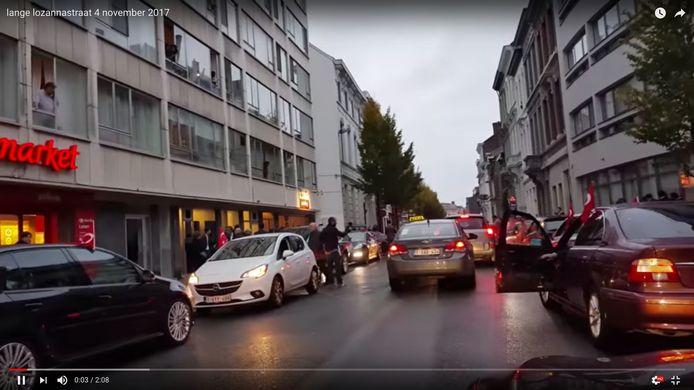 Niet enkel in de stad Antwerpen maar ook in Genk zorgden enkele trouwstoeten tot overlast en hinder in het verkeer, en waarbij wapens werden gebruikt. Vorig jaar heeft de politie uit de zone CARMA in Genk 30 pv's opgesteld voor incidenten op trouwstoeten.