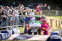 Kleurrijker werd het niet tijdens het Twentse kampioenschap zeepkistenrace.