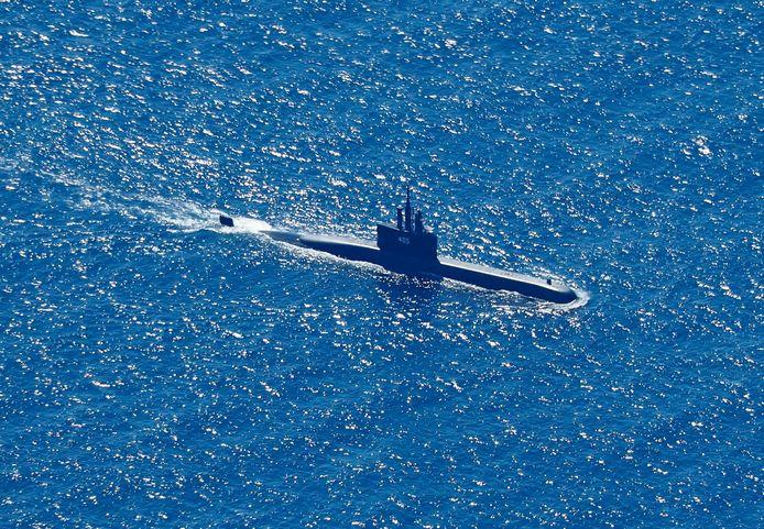De duikboot KRI Alugoro bij de zoektocht naar de KRI Nanggala, vanmorgen.